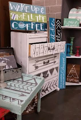 paint, tribal design, fusion mineral paint, aqua, vintage show, DIY, http://bec4-beyondthepicketfence.blogspot.com/2015/10/dresser-redo-with-fusion-mineral-paint.html