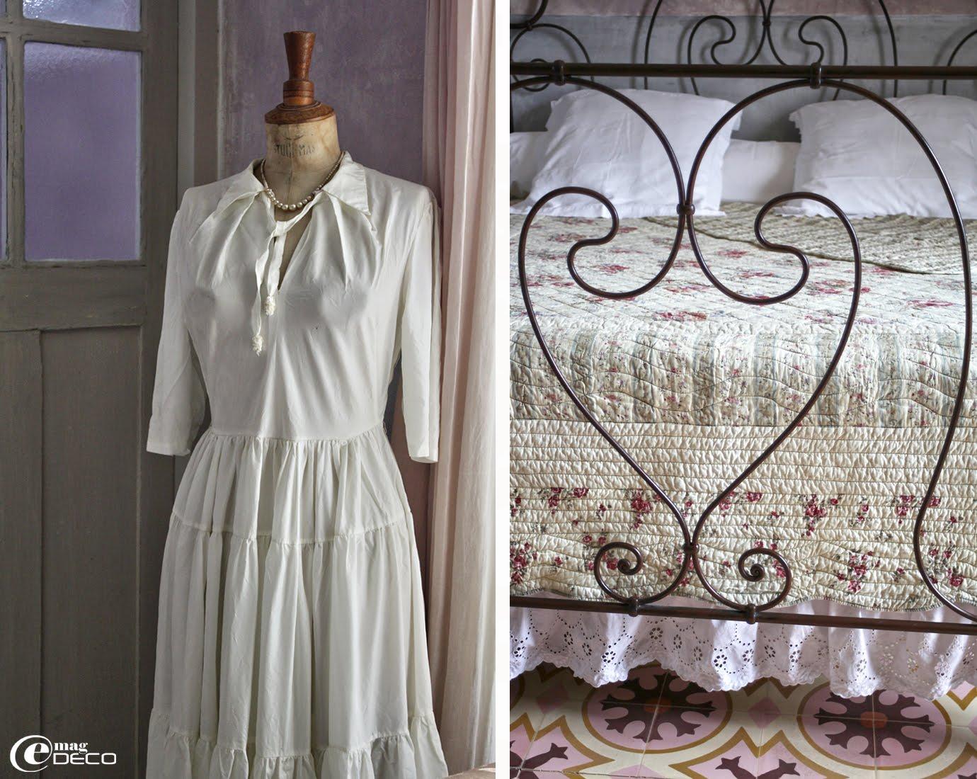 Une ancienne robe de mariée sur un vieux mannequin, mis en scène dans une chambre de la maison d'hôtes Justin de Provence
