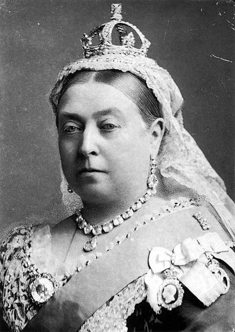Queen Victoria's diamond collet and drop earrings