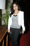 Madhavi Latha Latest Photos Gallery-thumbnail-3