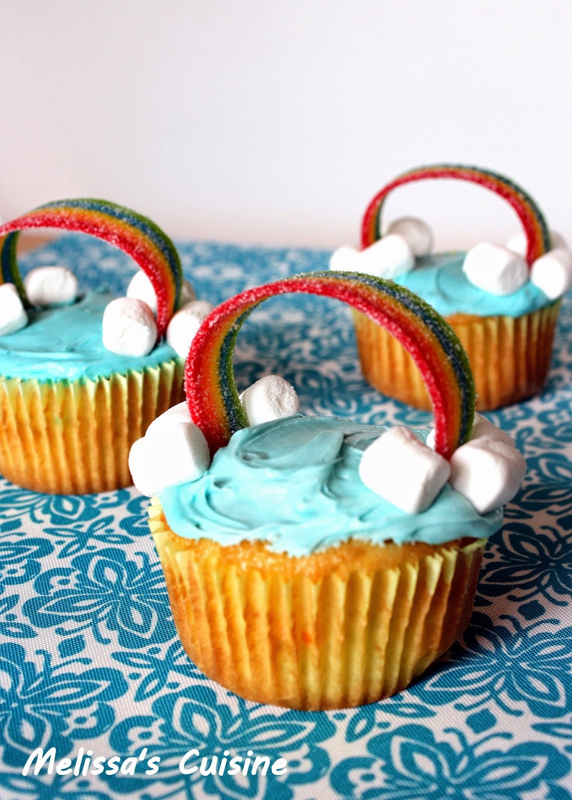Melissa's Cuisine: Rainbow Cupcakes and Bird's Egg Cupcakes