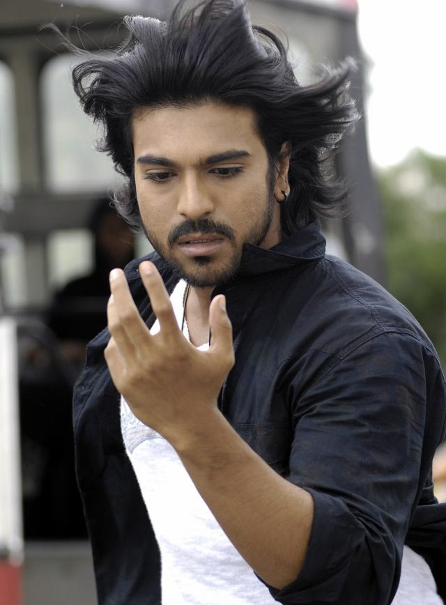 ram charan teja pictures saraung blue sky