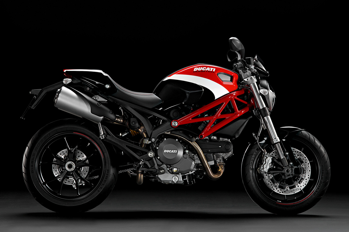passionate riding ducati monster 796. Black Bedroom Furniture Sets. Home Design Ideas