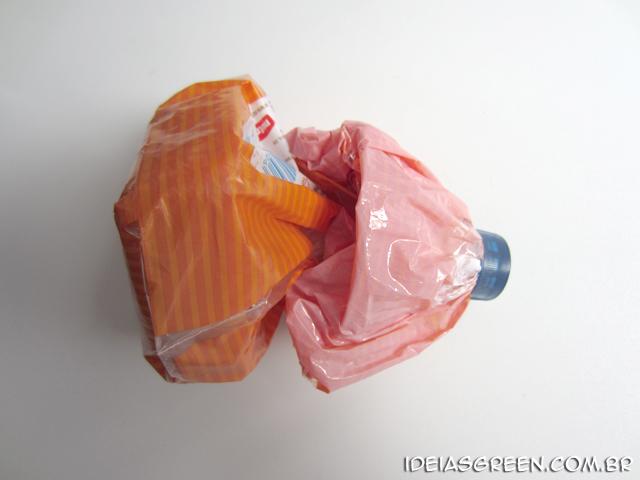 Como fazer um lacre de embalagens usando uma garrafa PET