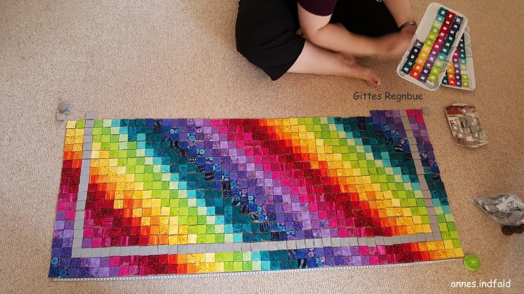 spille i regnbuens farver