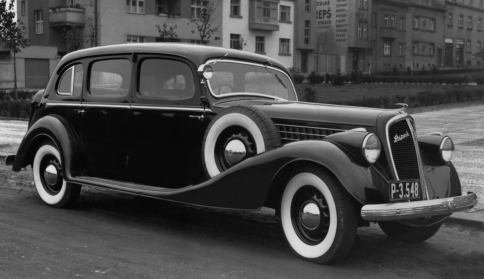 Car Style Critic: Late-1930s Škoda Superbs