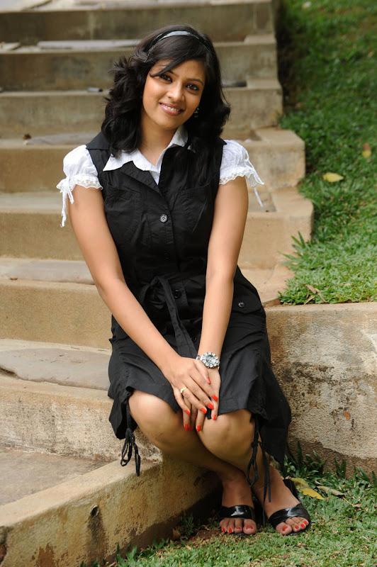 Actress Monica Sharma Stills Gallery wallpapers