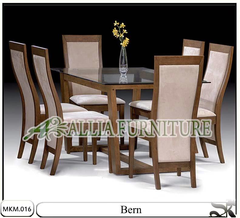 Kursi dan meja makan minimalis bern