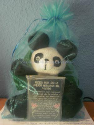 Regalo de amigurumi Oso Panda más imán a la mejor hermana del mundo