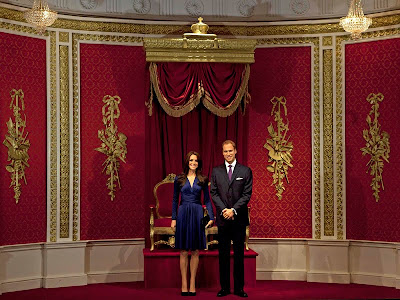 Aie Dear: Patung Lilin Pangeran William dan Kate Middleton