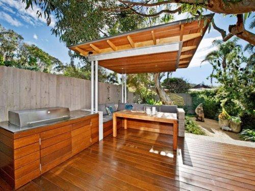 Dos porches de madera dos estilos oasisingular - Madera para porches ...