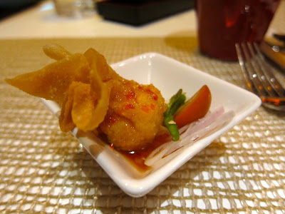 Wonton amuse at Red Zen