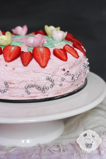 tort truskawkowy, tort z malinami, tort truskawkowo-malinowy, tort owocowy, tort majowy, tort na komunię