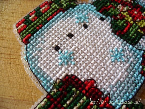 """Снеговик, вышитый крестом 70-08896 """"Snowman Ornament"""" от фирмы Dimensions - ёлочное украшение"""