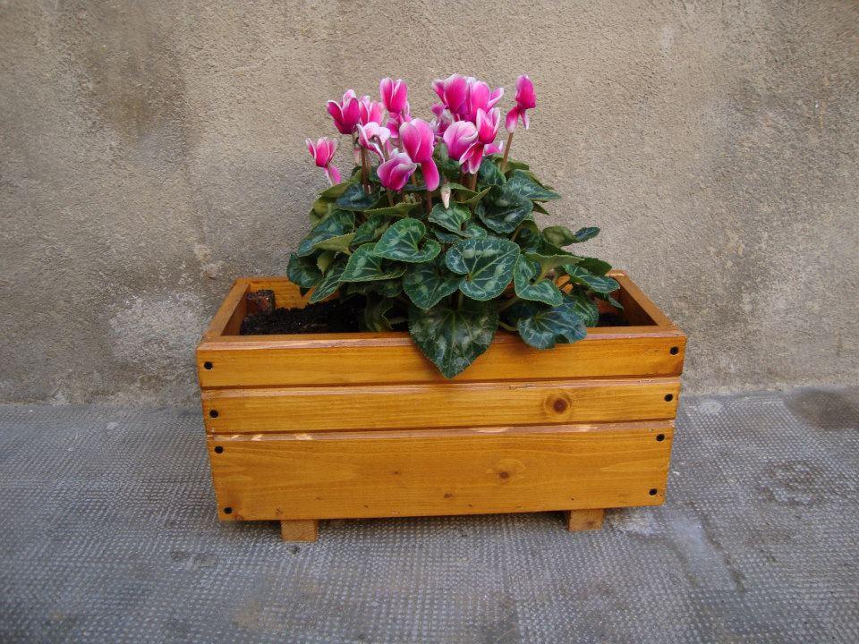 aqui teneis un par de modelos de jardineras mini muy bonitas y ideales para pequeas flores sus medidas son xxuduac la unidad oferta