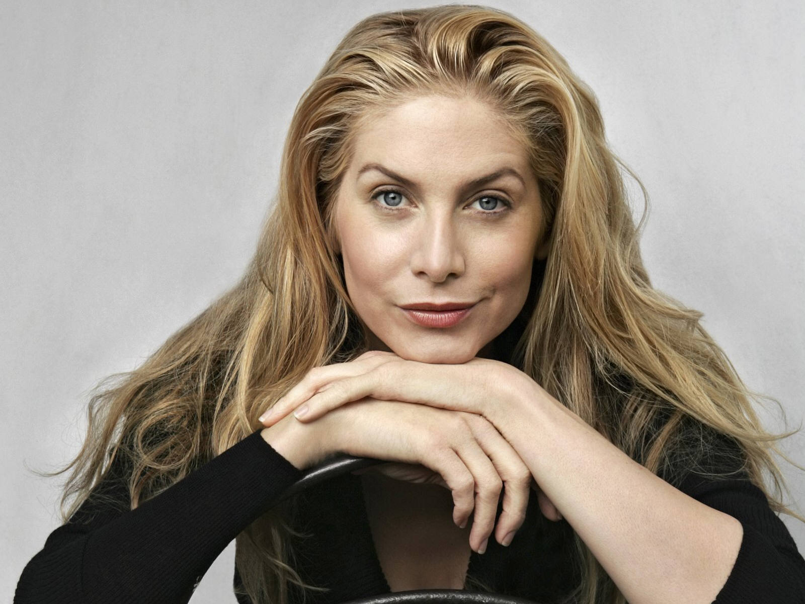 elizabeth mitchell computer hd - photo #11