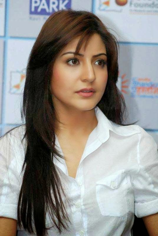 Anushka Sharma Bollywood Heroins in Tight White Top Hot HD Wallpaper