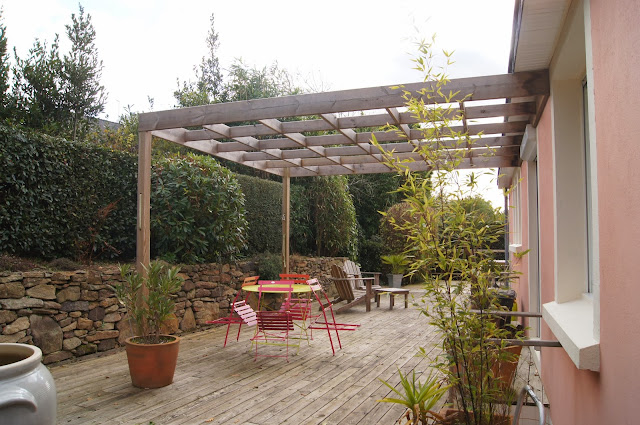 Claustra bois exterieur terrasse diverses for Decoration mur de terrasse