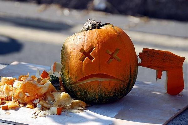Halloween Pumpkin Suicide Gun