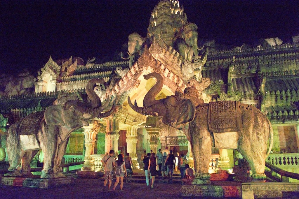 Phuket Fantasea Palace of the Elephants