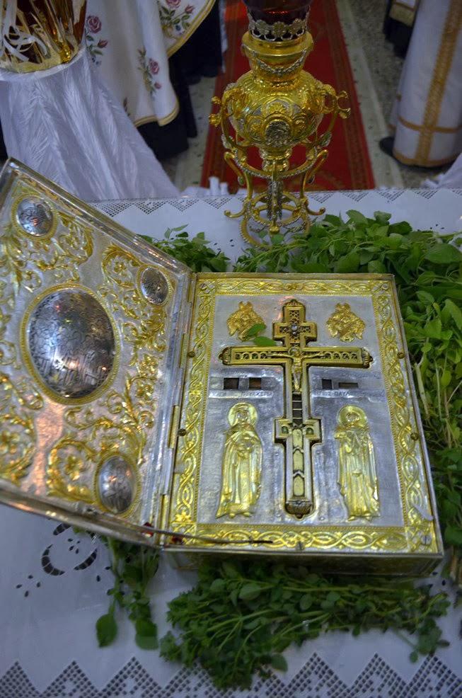 Τίμιο Ξύλο από την Ιερά Μονή Ξηροποτάμου Αγίου Όρους http://leipsanothiki.blogspot.be/