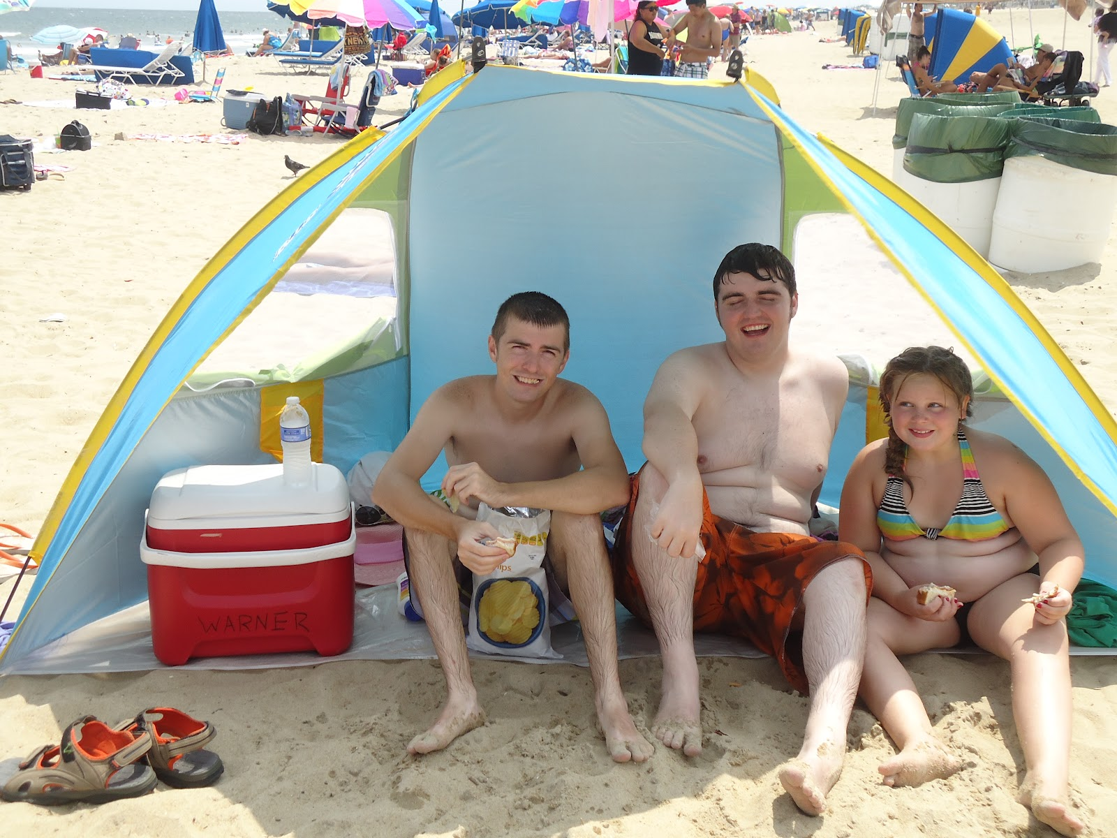 If youu0027ve never seen one of these  half tents  I highly recommend them! They are HEAVENLY! ) It creates a nice little cubby to have ...  sc 1 st  Hand Krafted Creations & Hand Krafted Creations: Beardless At The Beach