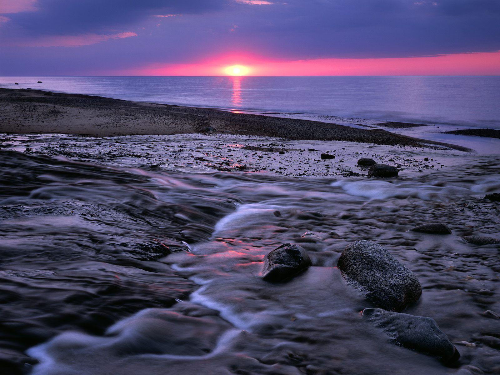 http://4.bp.blogspot.com/-94IijpdalMU/Ti66pbtm54I/AAAAAAAANBs/WReK4OgbUvE/s1600/beautiful+sunset+wallpaper-1.jpg
