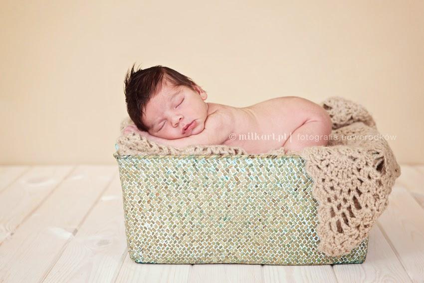 sesja zdjęciowa noworodka, fotografia niemowlęca, sesje fotograficzne rodzinne, profesjonalne zdjęcia dziecka w Wielkopolsce
