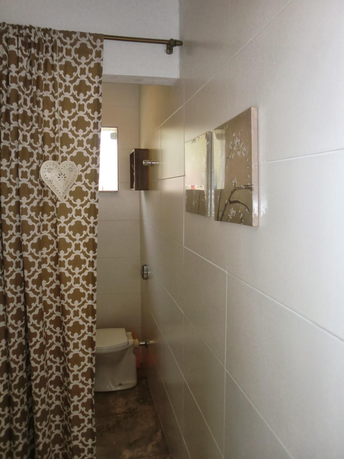 Antes e Depois Reforma de Banheiro Economica Barata Casa e Reforma #3E2F1E 1200x1600 Banheiro Com Box De Cortina