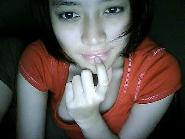 Amalia Zahro, SPG Berjilbab Cantik Jelita