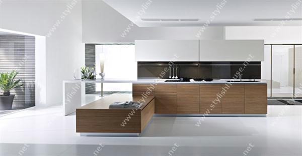 Wooden finishing Modern And Luxury Italian Kitchen Design