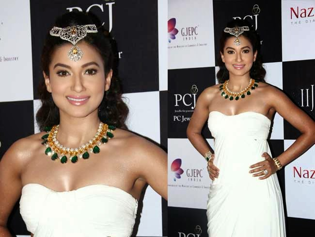Gauhar Khan at India International Jewellery Week (IIJW)-2014
