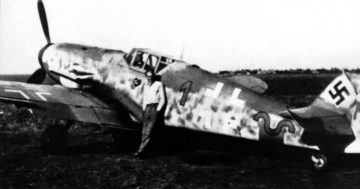 http://4.bp.blogspot.com/-950JNGKMqOw/UE0jDu7-lrI/AAAAAAAAD4s/qpOGWXQaeZ4/s1600/1-Bf-109G6-9.JG52-(R1+~)-Erich-Hartmann-Hungary-1944-01.jpg