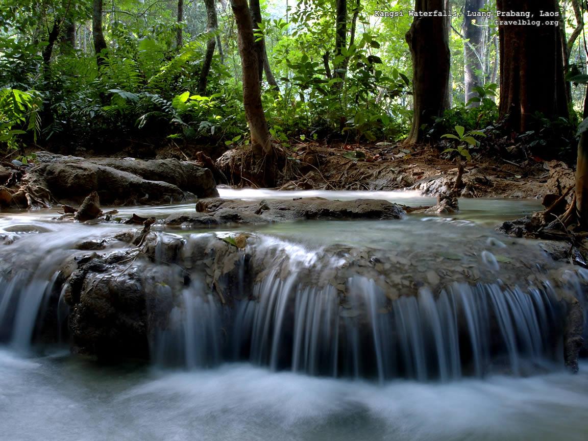 http://4.bp.blogspot.com/-955M4y9-Fxs/TwW7ZpyoTAI/AAAAAAAAAXM/jCggvJayPWY/s1600/tb_waterfall_wallpaper_kangsi.jpg
