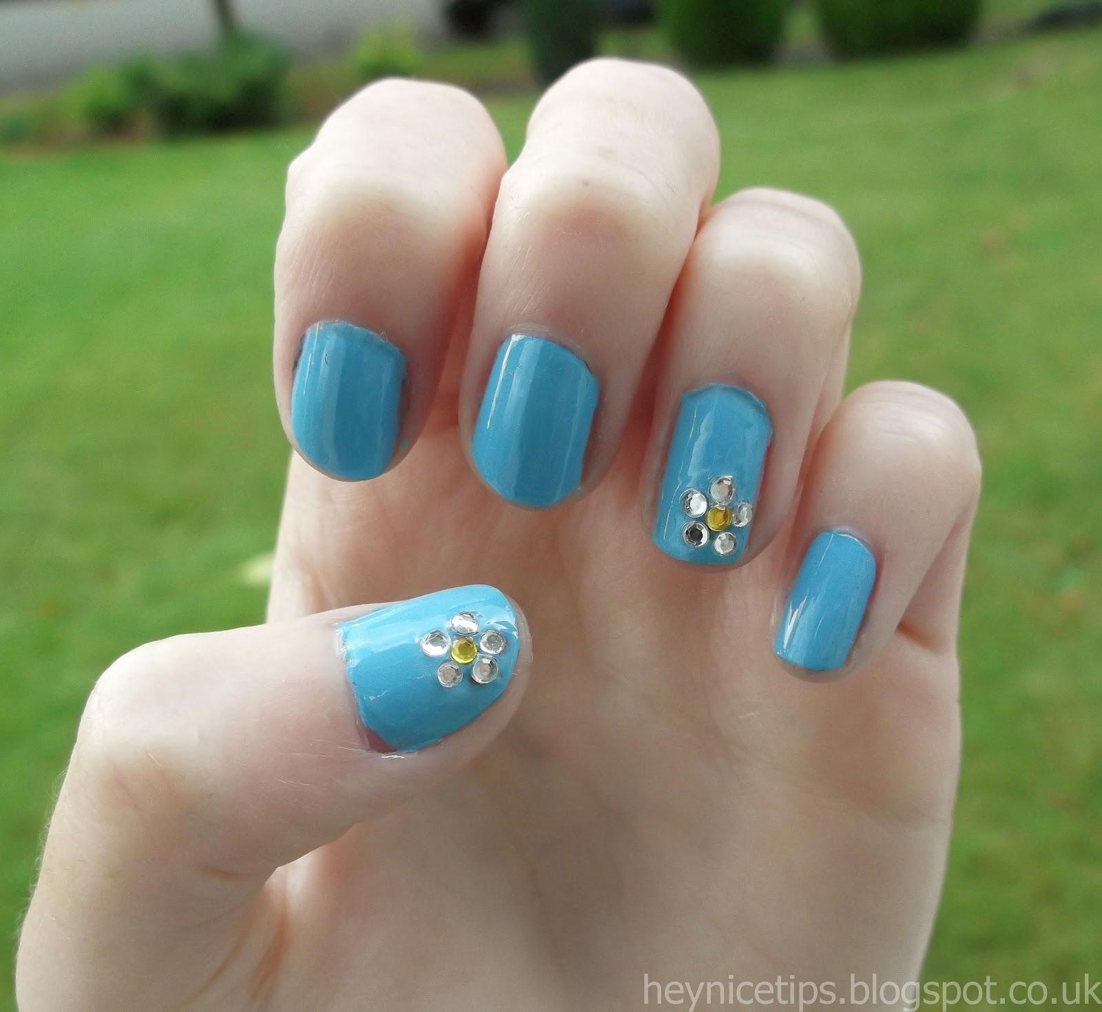 Hey, nice tips!: Diamante Daisy Nails