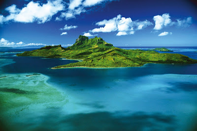 tahiti bora bora paradise luxury accomodation best hotels beach huts holiday resort