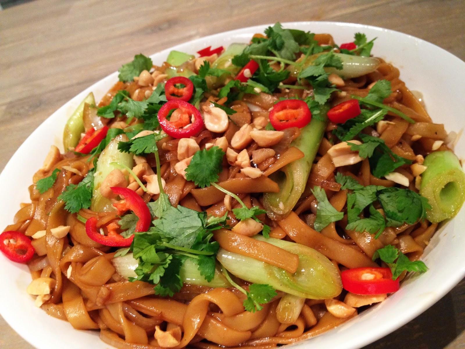http://www.lilliansmatblogg.no/2013/09/stekte-thainudler.html
