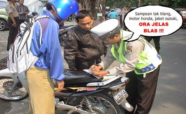 Foto Lucu Polisi Tilang Ora Jelas Blas