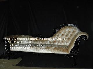 sofa classic jati klasik,sofa klasik jepara Mebel furniture klasik jepara jual set sofa tamu ukir sofa tamu jati sofa tamu antik sofa jepara sofa tamu duco jepara furniture jati klasik jepara SFTM-33069