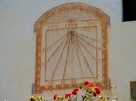 Rellotge de sol pintat de Can Cot