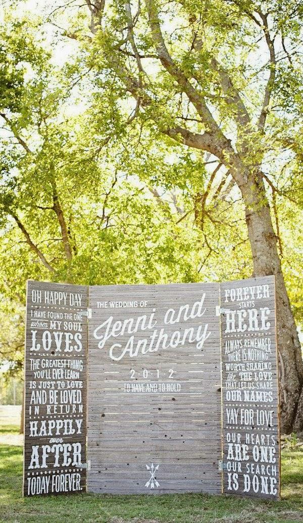 Fantástica combinación de photobooth para una boda rústica al aire libre