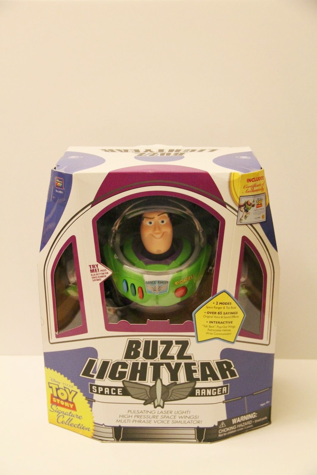 BUZZ LIGHTYEAR TOY STORY SEALED Disney Signature Collection Figure Tim Allen