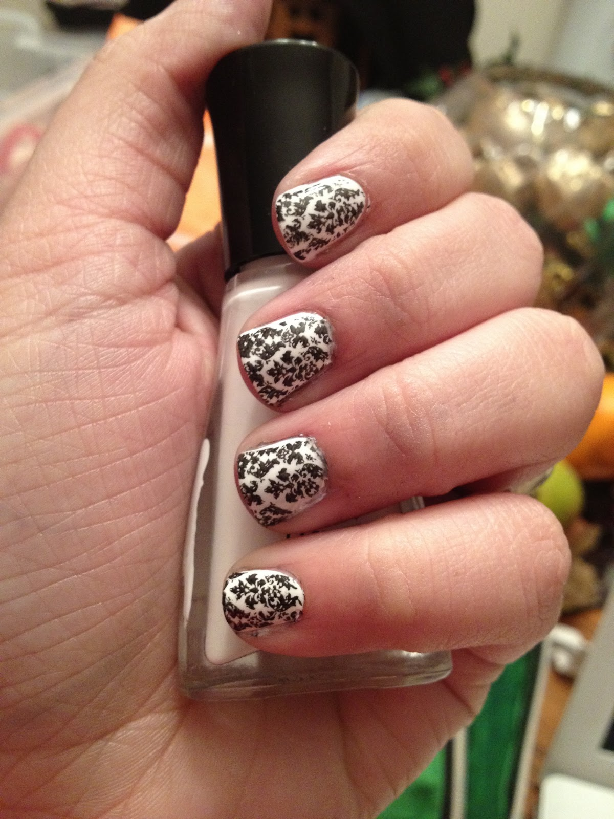 Fancy Phalanges: 31 Day Challenge: Day 7-Black and White Nails
