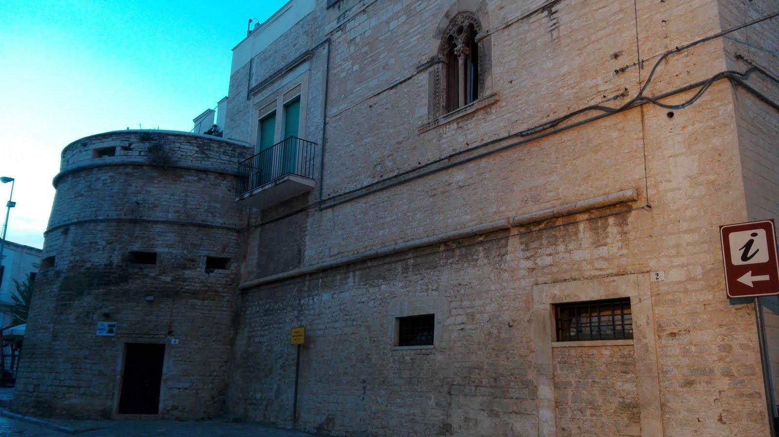 torrione e mura aragonesi