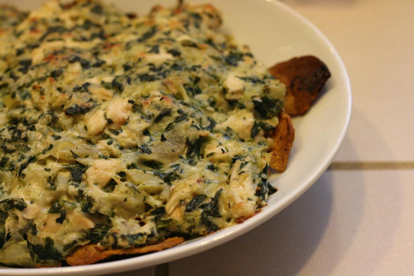 Laine's Recipe Box: Spinach and Artichoke Nachos with Chicken