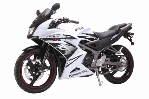 Spesifikasi Kawasaki New Ninja 150RR baru 2012 title=