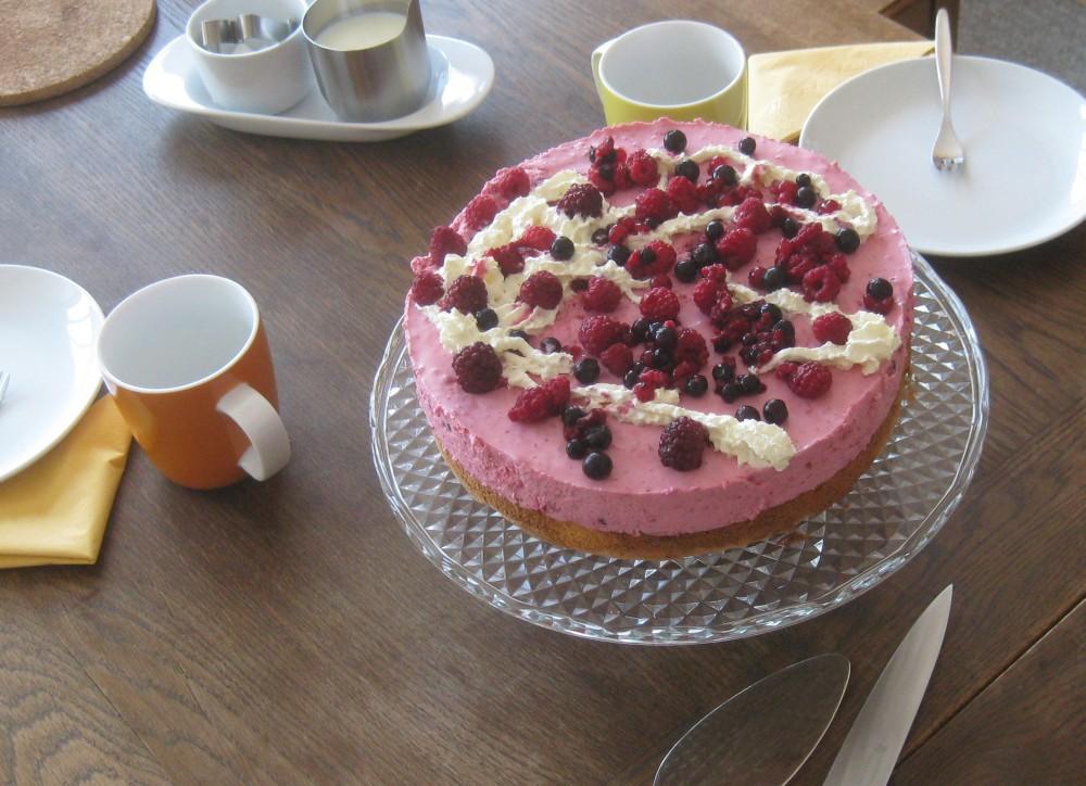 Barbaras Spielwiese Beeren Quark Schmand Torte
