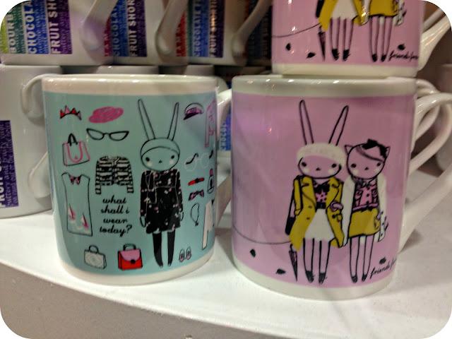 Fifi Lapin mugs