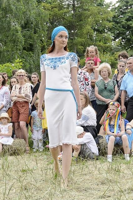 Сукня з етнічної колекції 2012 від модного будинку РІТО