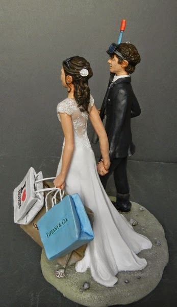 Cake topper realistico sposa shopping decorazioni statuine sposi orme magiche